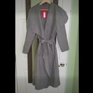 Boohoo Women's grey belted shawl collar coat